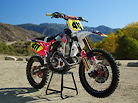 """Funny Car"" To Race Machine - 2009 Honda CRF450R Project Bike"