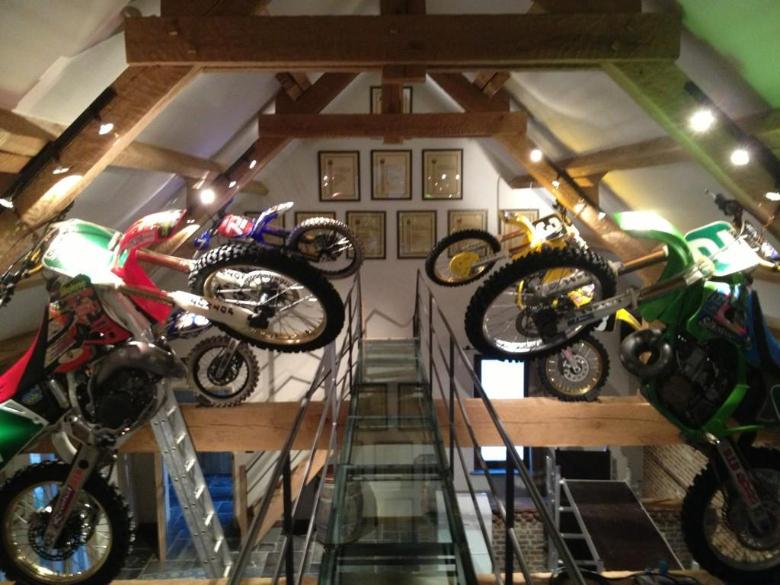 Beyond cool stefan everts home bike display moto for Location garage moto