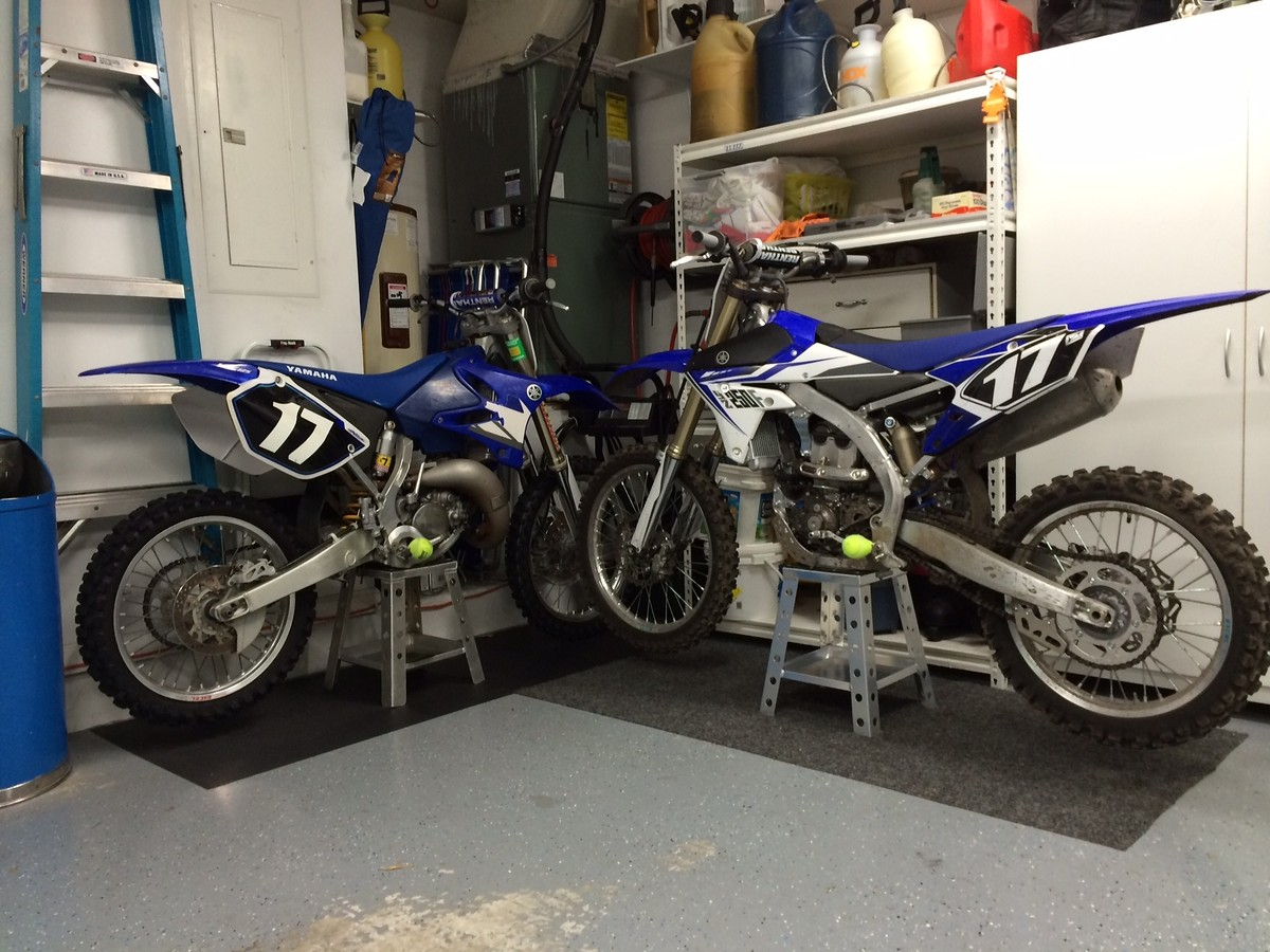 Multiple bikes moto related motocross forums message for Location garage moto
