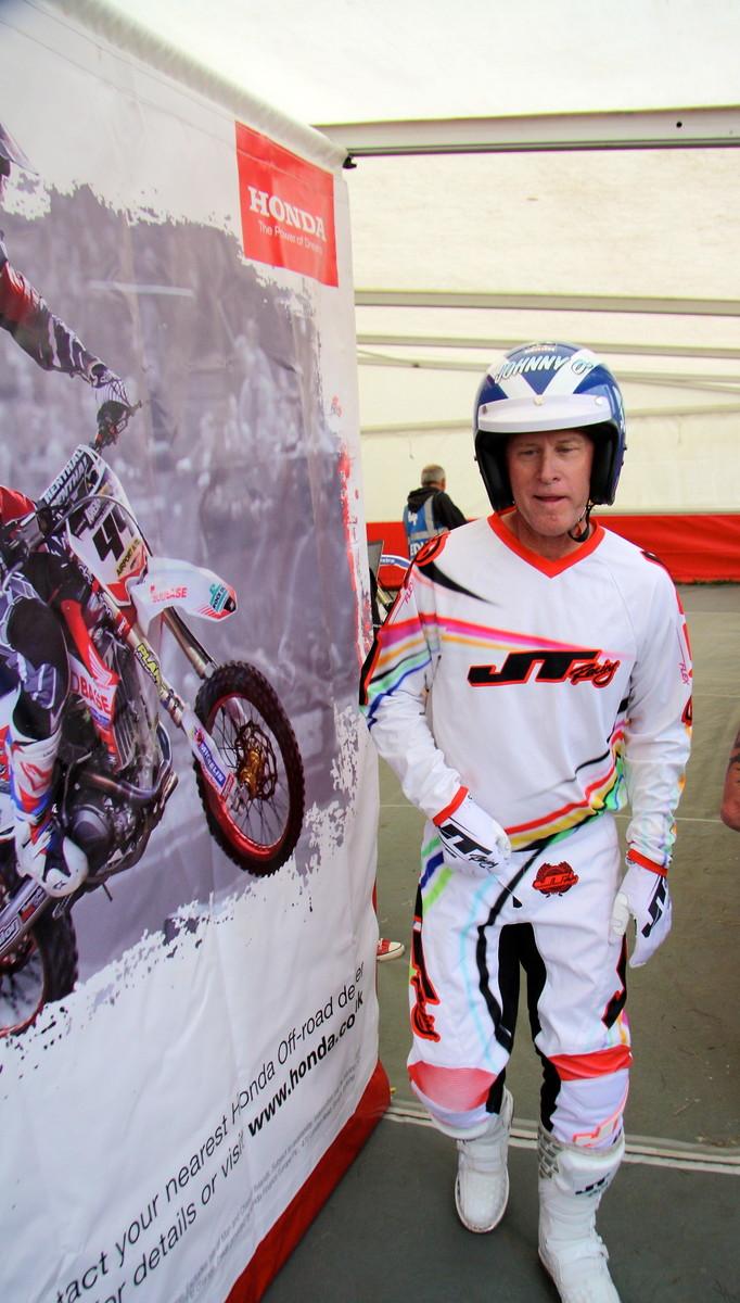 Bell Moto 3 >> Johnny O'Mara at the VMXdN, Farleigh Castle - Old School ...