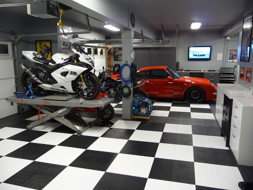 Garage floor epoxy coating input needed moto related for Location garage moto
