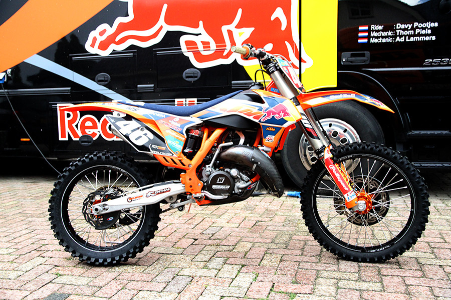 testing a factory ktm 125 moto related motocross. Black Bedroom Furniture Sets. Home Design Ideas