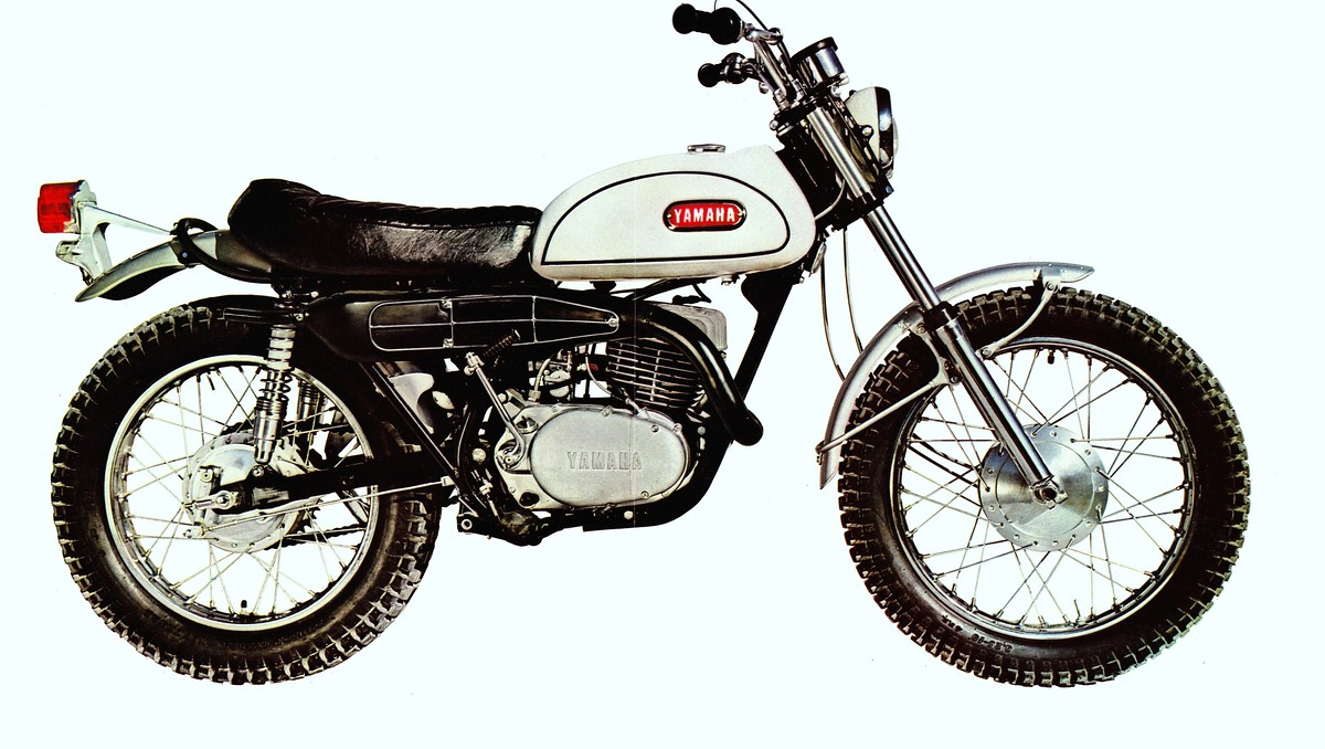 it is time for classic steel 100 on the revolutionary 1968 yamaha dt 1 250 enduro moto. Black Bedroom Furniture Sets. Home Design Ideas