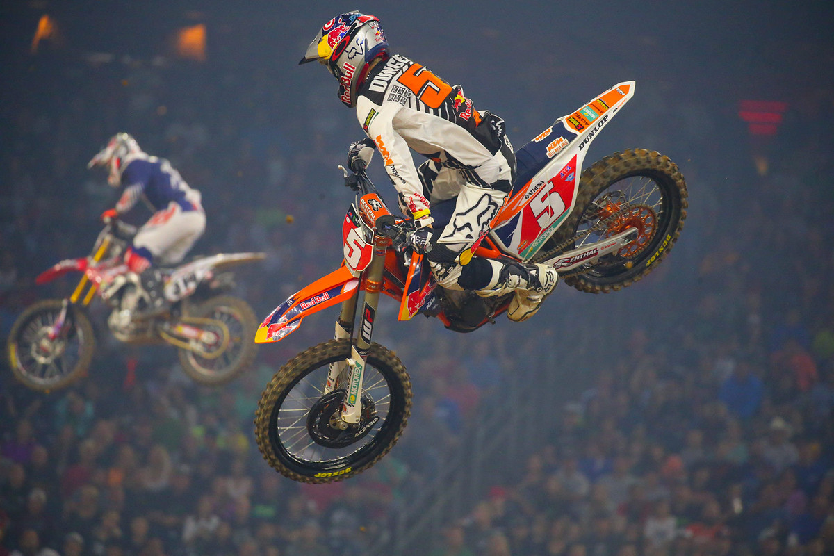 Ryan Dungey went by Josh Grant to take the first 450 heat win.