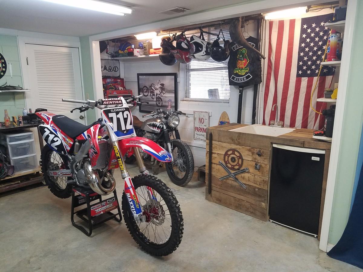 Garage setup finished moto related motocross forums for Location garage moto