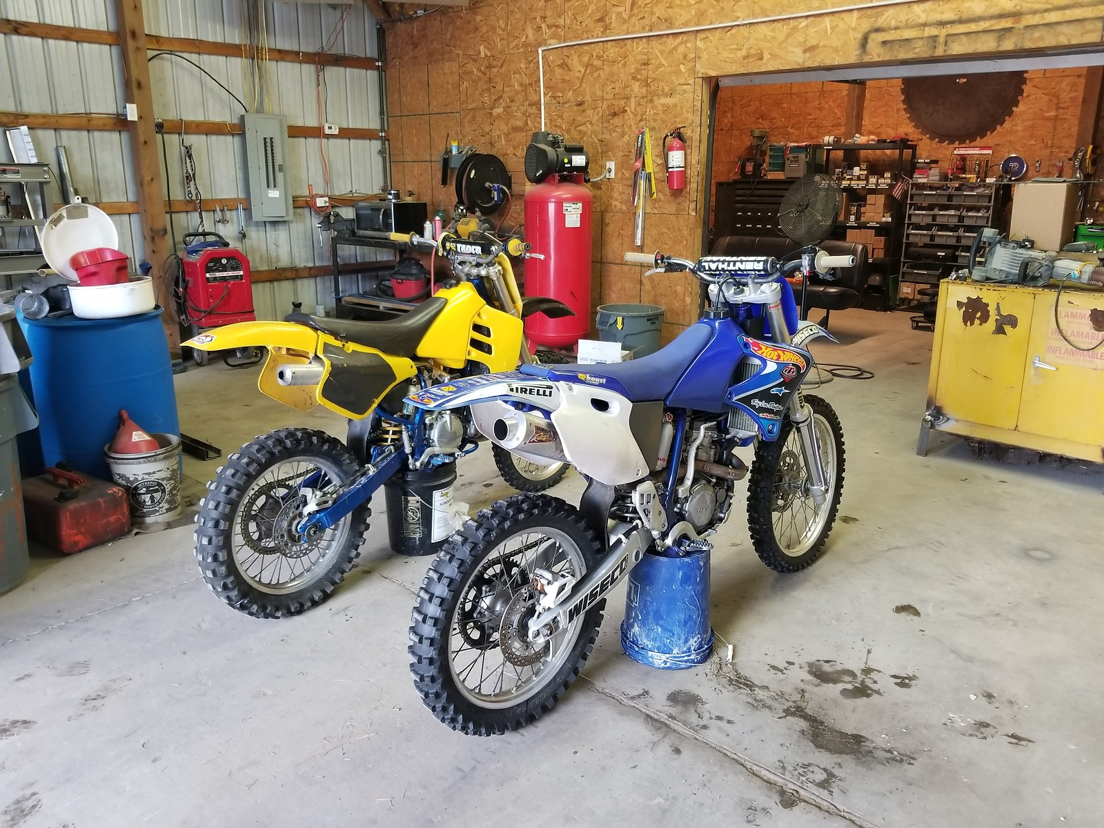 Here's a pic of it with my rm/x 250
