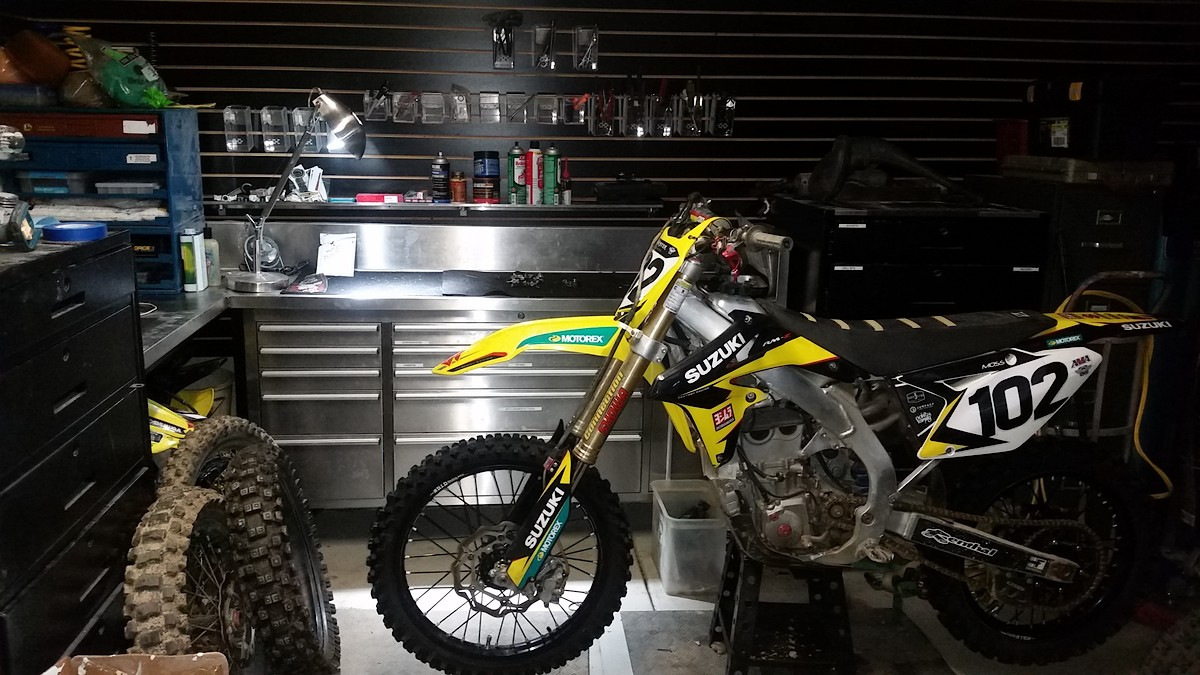 Garage workbenches moto related motocross forums for Location garage moto