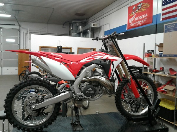 Here S A Pic Of One He Already Did As Well My 450 For Reference I Think M Going To Make Them Look Identical Other Than The Suspension