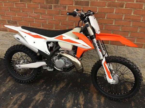 Brilliant 2019 Ktm 300Xc Smokers Alive And Well Moto Related Spiritservingveterans Wood Chair Design Ideas Spiritservingveteransorg