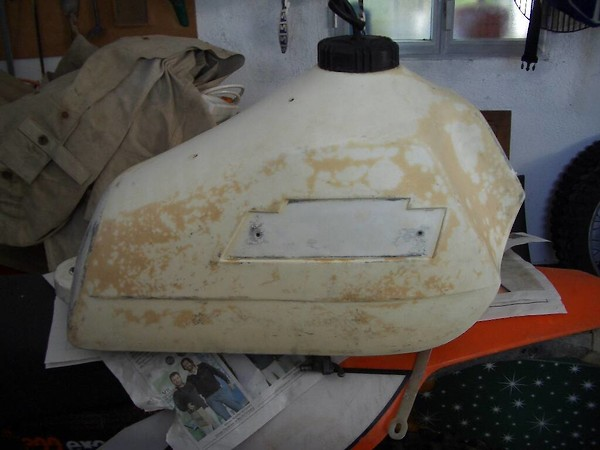 Restoring a white fuel tank - Moto-Related - Motocross