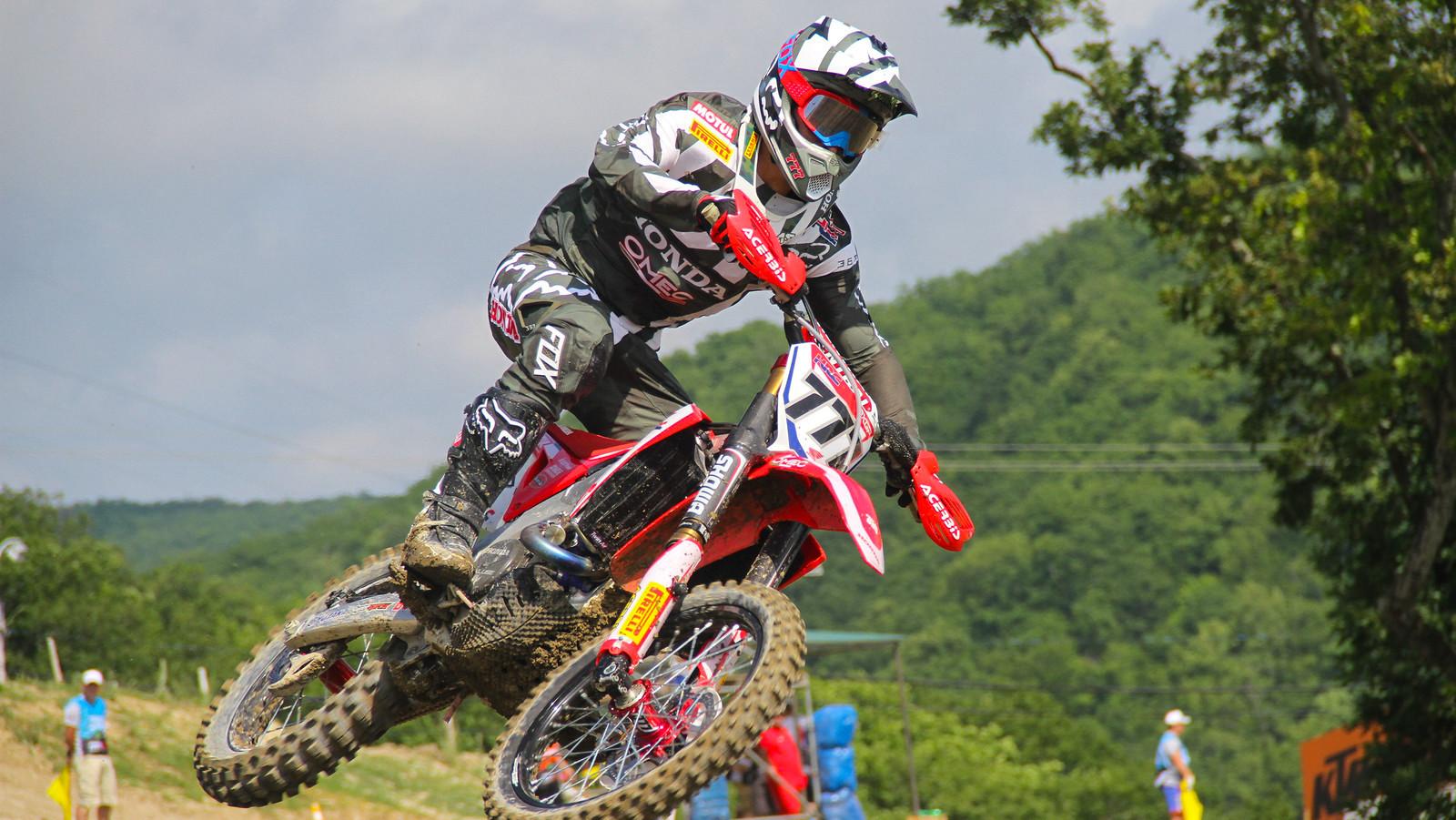 Evgeny Bobryshev Replaces Benoit Paturel at BOS MXGP - Racing Suzuki in MXGP and British Series