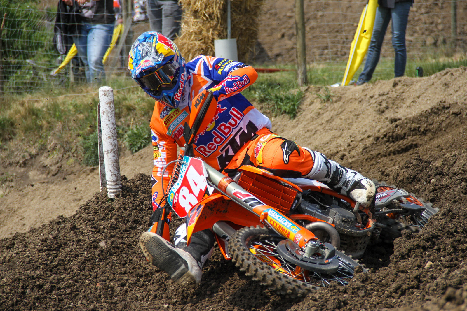 Injury Report: Jeffrey Herlings Breaks Collarbone in Practice Crash