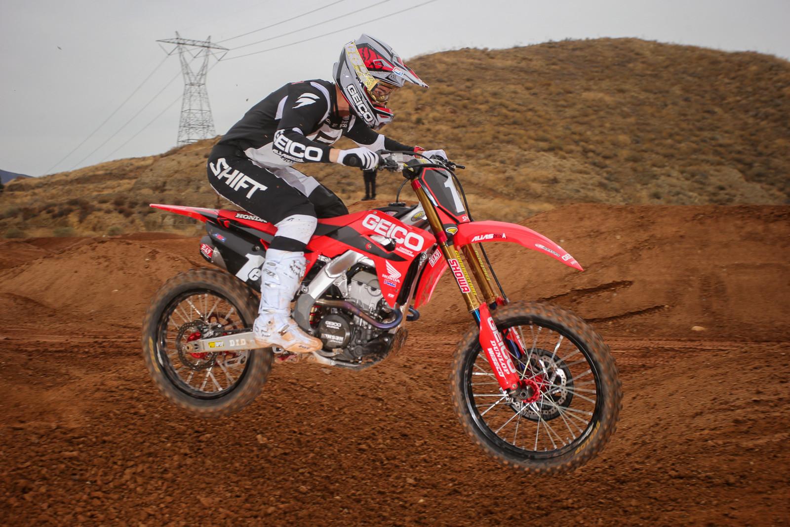 Chase Sexton Sustains Broken Collarbone