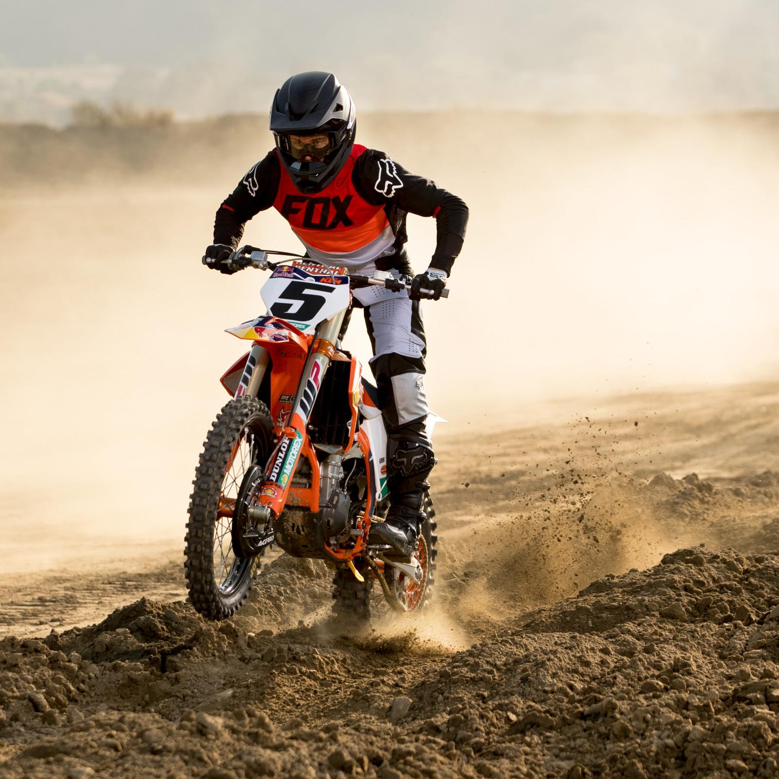 FOX RACING: FLEXAIR/360 RACEWEAR COLLECTIONS OFFICIAL VIDEO