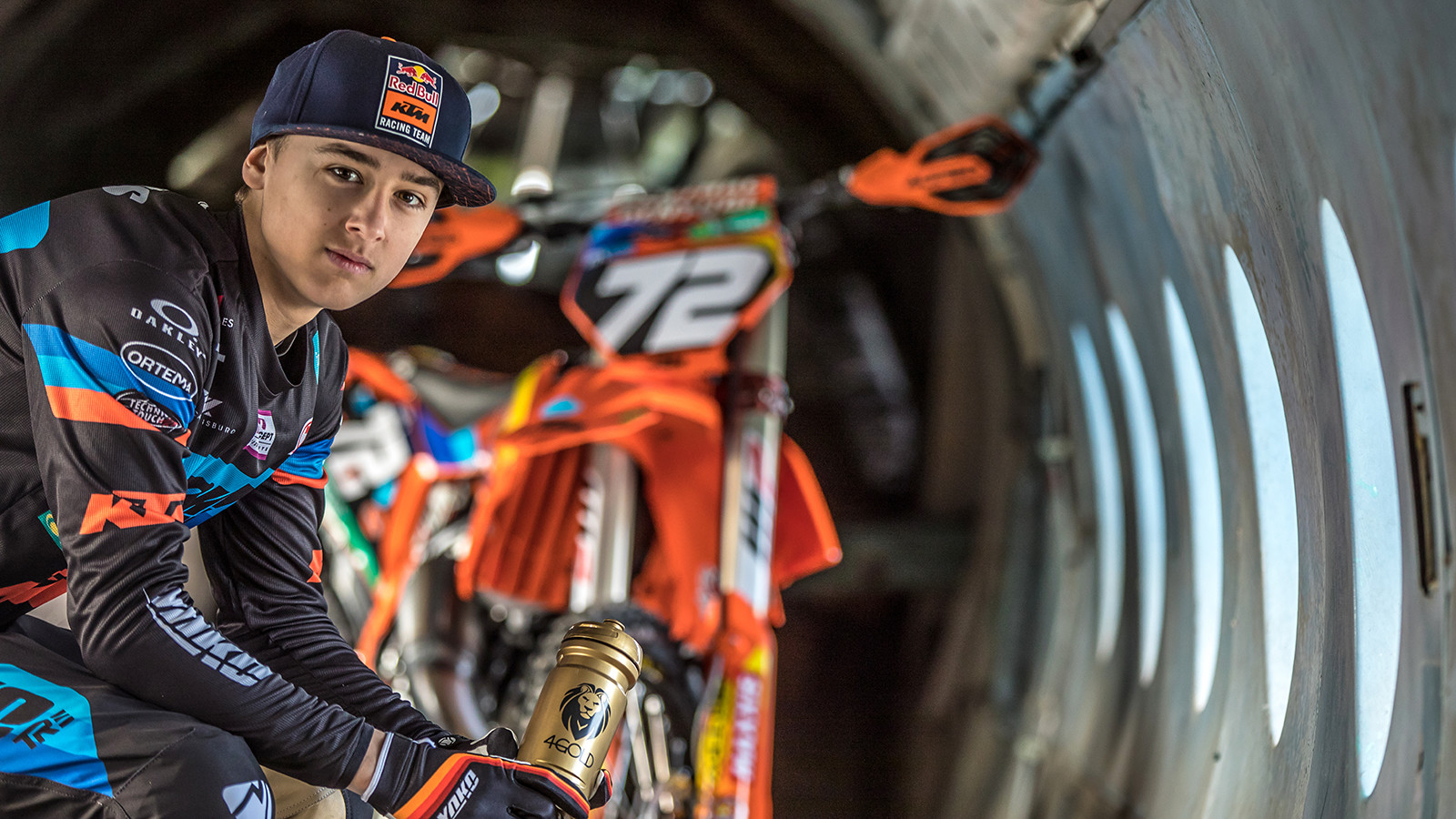 Photoshoot: Liam Everts' ready for upcoming season.