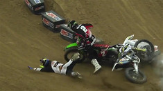 CRASH: Jacob Hayes Throws Away the 2015 Arenacross Title!