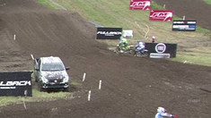 CRASH: Romain Febvre - 2016 MXGP of Great Britain