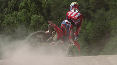 Riding the 2017 Honda CRF450RW: Tim Gajser and Evgeny Bobryshev