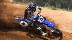 Arnaud Tonus & Shaun Simpson Test Out the 2018 Yamaha YZ450