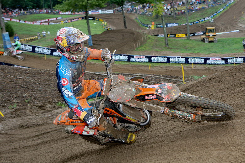 Ryan Dungey took a digger in the second practice that left him with a broken visor, but he was still second fastest.
