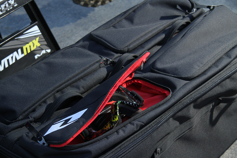 The accessory compartments on the top of the bag are a great addition.