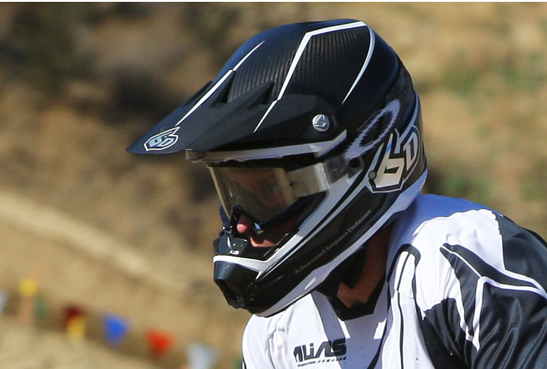 We spotted Bob with a couple different helmets during the weekend, and this one looks like a full carbon version.