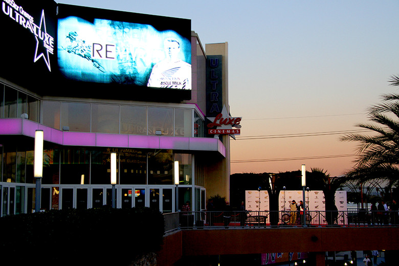 The premiere was held at the Garden Walk Theaters.