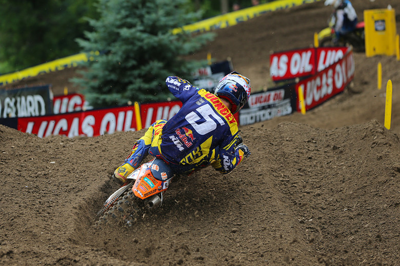 Ryan Dungey (Red Bull KTM) has slowly chipped a few points out of his teammate's lead in the title chase.