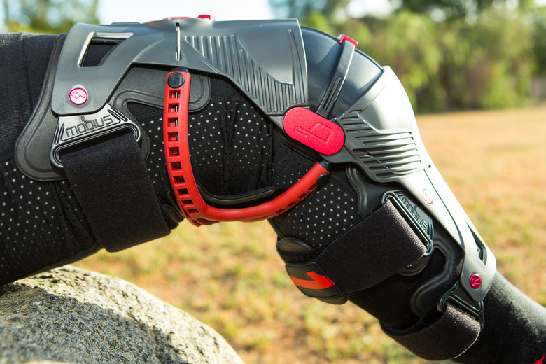 Mx Knee Braces >> First Look: Mobius X8 Knee Braces - Motocross Feature Stories - Vital MX