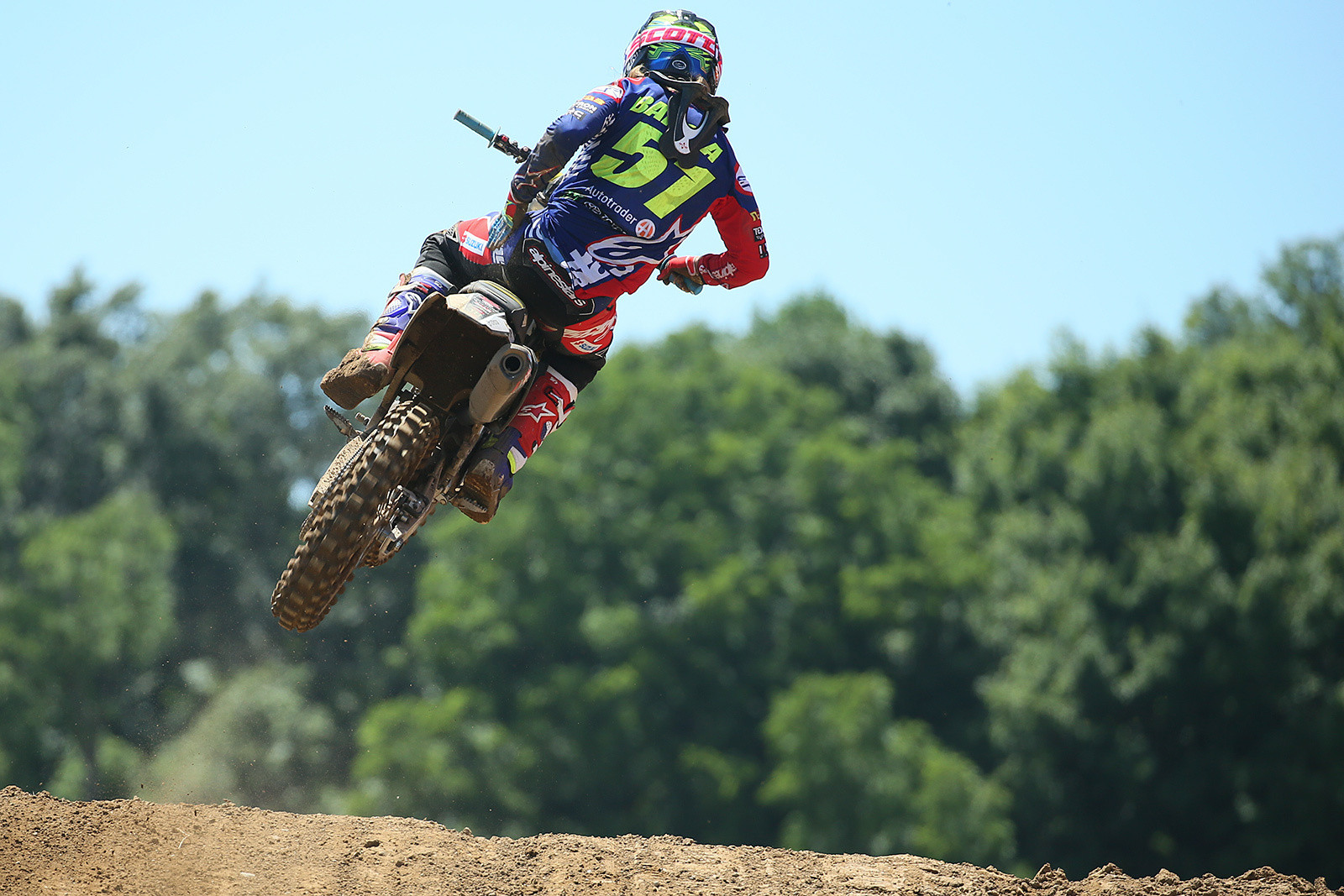 Justin Barcia doing a little mid-moto glove cleaning. He was seventh in moto one.