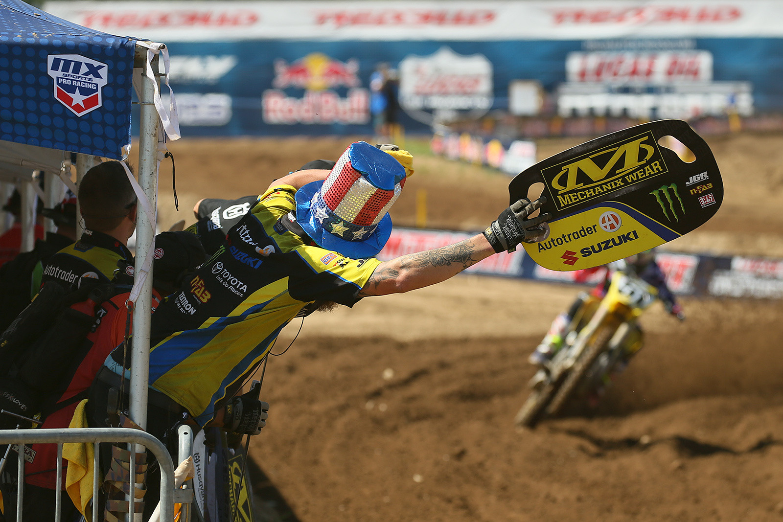 Justin Barcia being cheered on by his mechanic, Ben Schiermeyer. Justin led the first seven laps of moto two before a crash dropped him to fifth. He eventually finished sixth, and combined with his seventh in moto one, he was fifth overall.