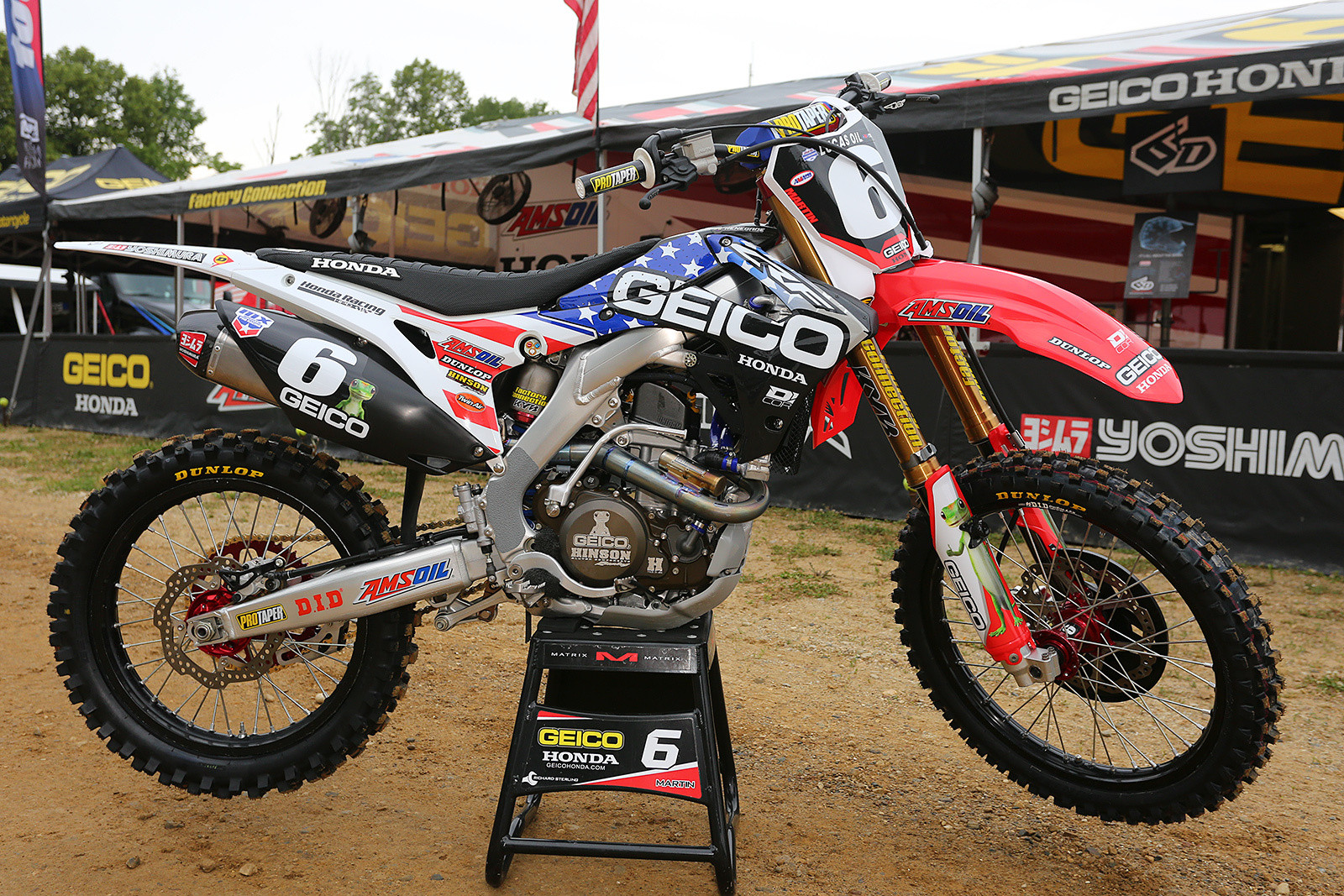 Normally the GEICO Honda bikes feature a yellow logo...we kind of like the white.