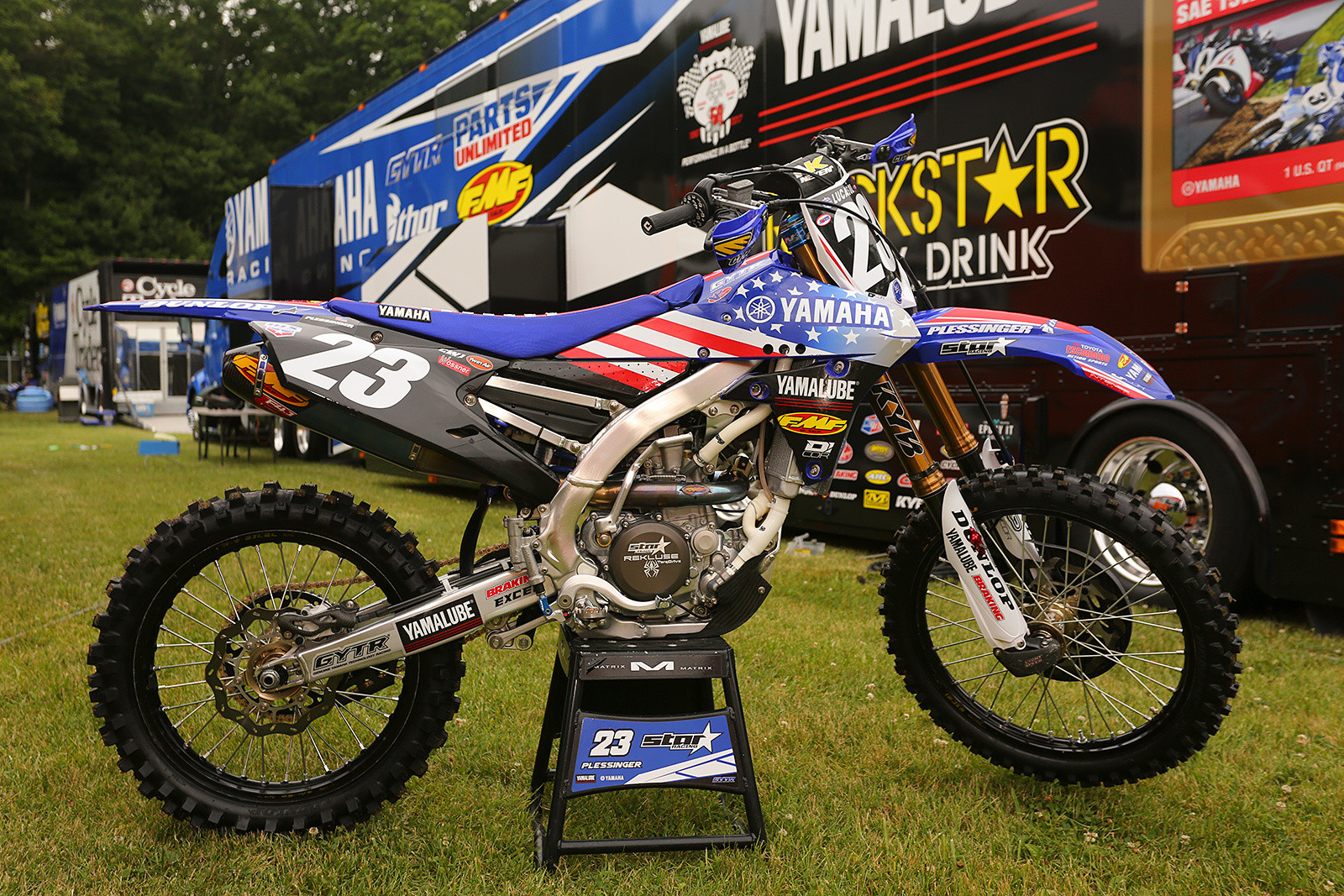 The entire Yamalube Star Racing Yamaha roster had the bleu, blanc, and rouge, including Dylan Ferrandis.