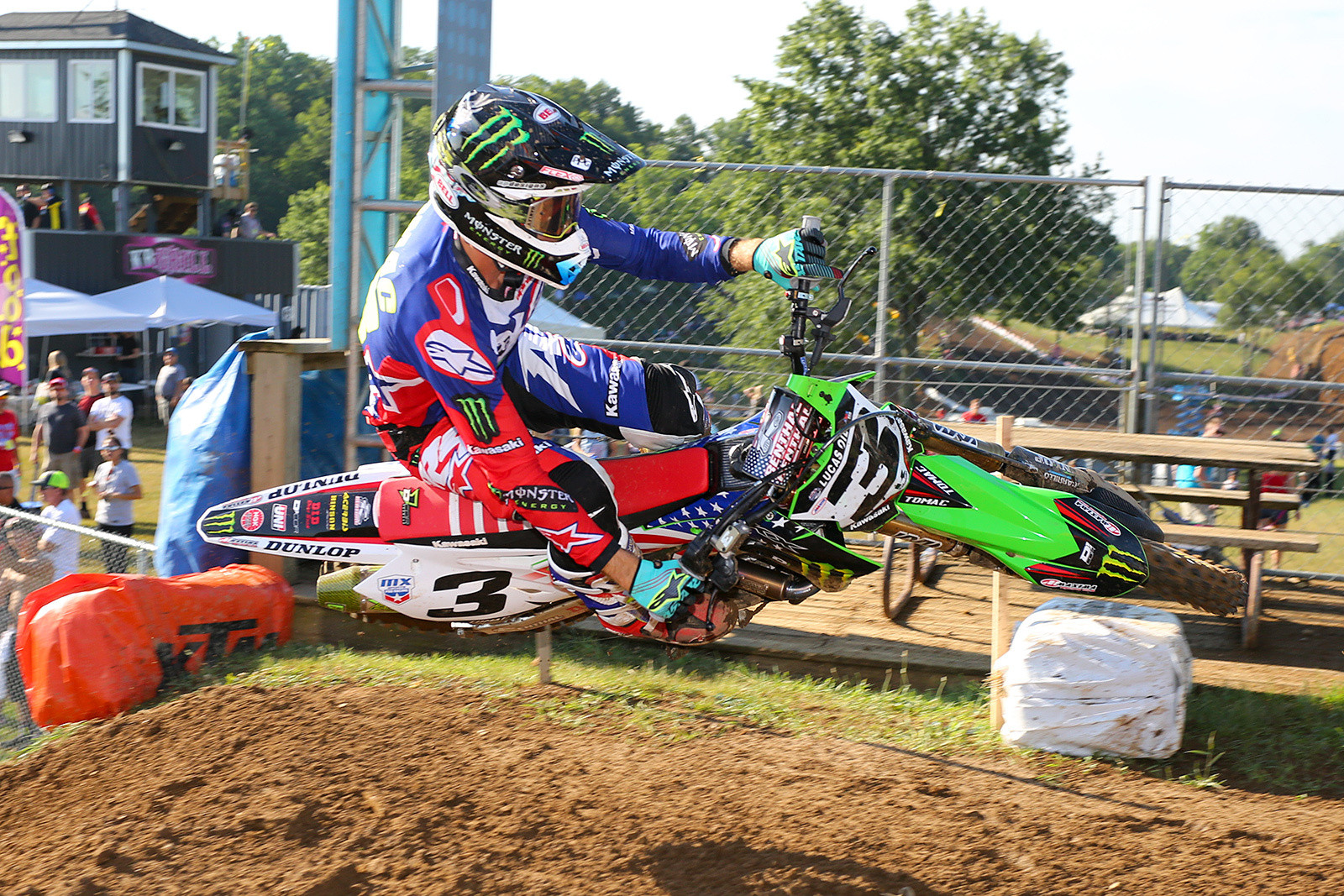How about some style shots as we get ready to close this one up? Eli Tomac knows style.