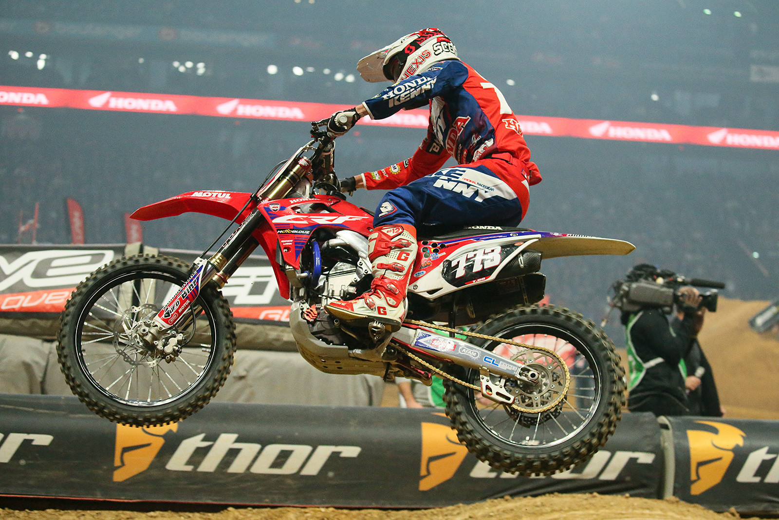 Thomas Do grabbed the first heat race win in the SX2 class.