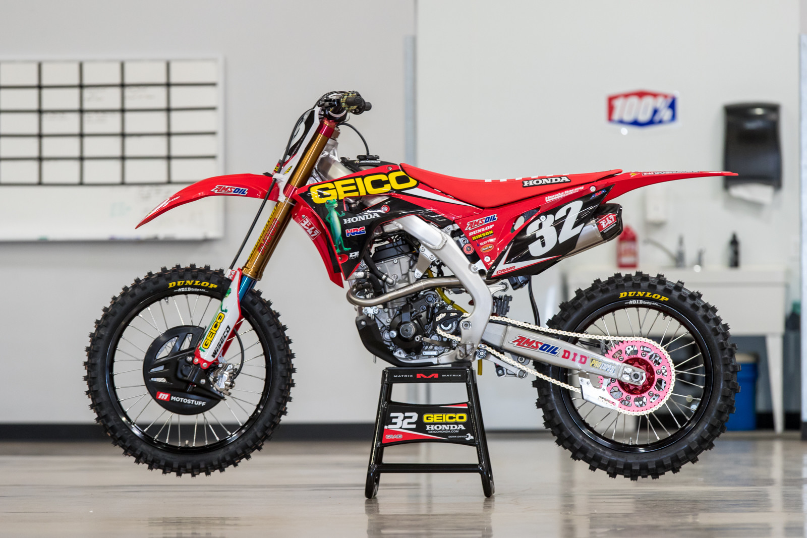 first look 2018 geico honda crf250r motocross feature. Black Bedroom Furniture Sets. Home Design Ideas