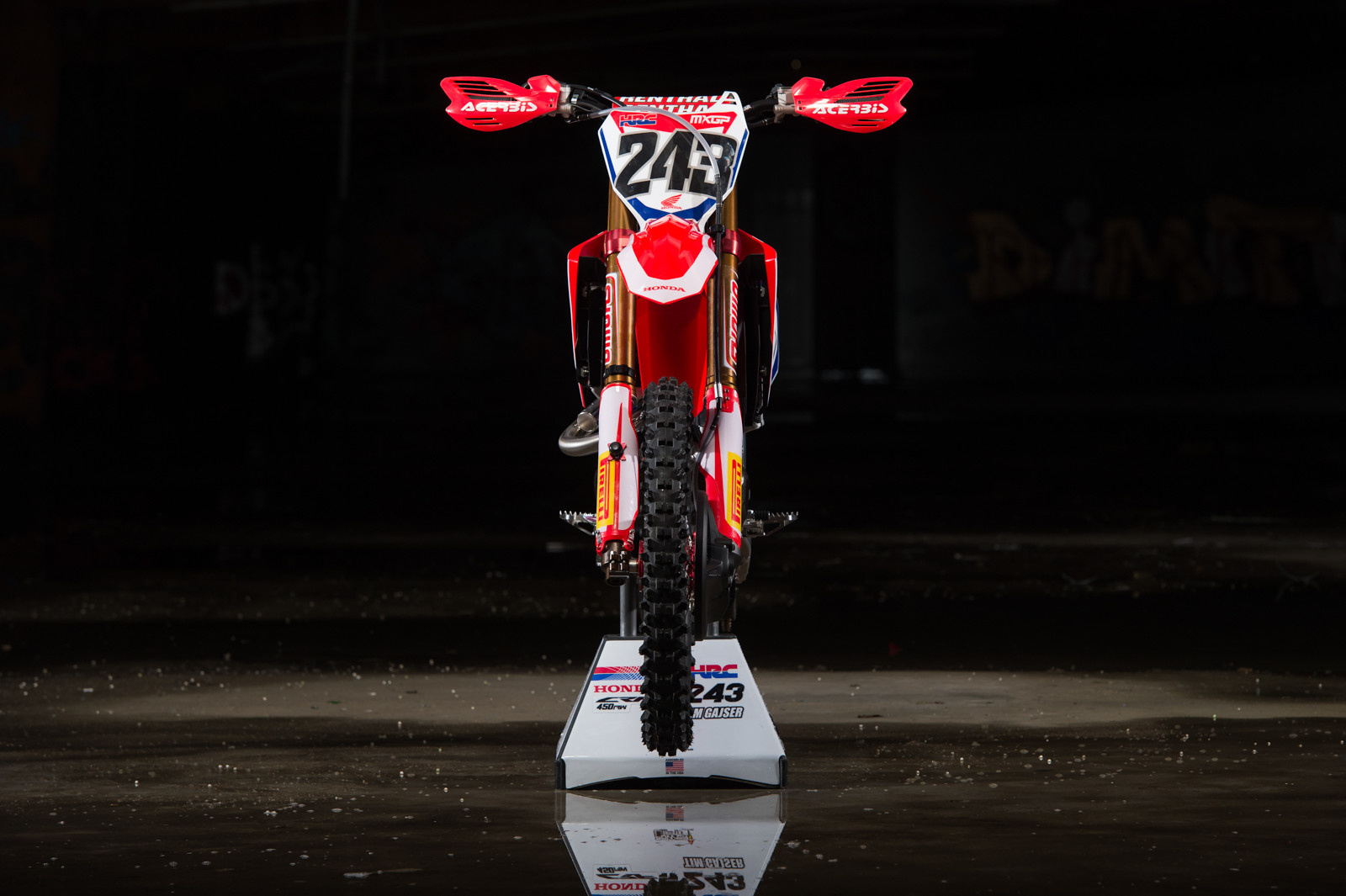 Hmm, we think that Tim Gajser's lower triple clamp looks like a stock part that's been coated.