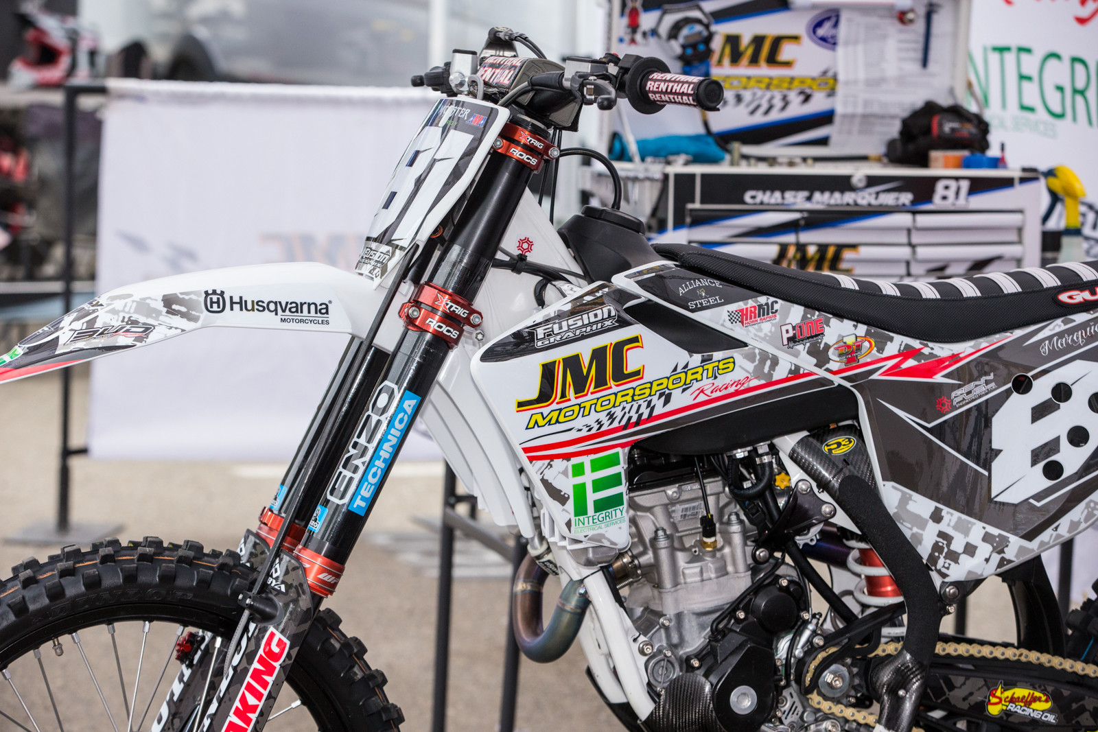 While Chase Marquier's had WP forks. Both are tuned by Enzo racing, so it's cool to see a smaller outfit offering up options to their riders. Big commitment.