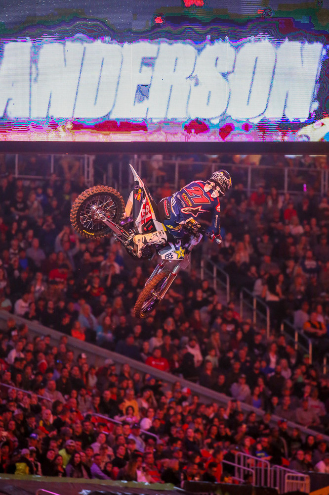 We have to give props to any of the riders who'll throw down style over a finish line jump or triple in the darkened stadium during pre-race ceremonies. Jason Anderson went for both.