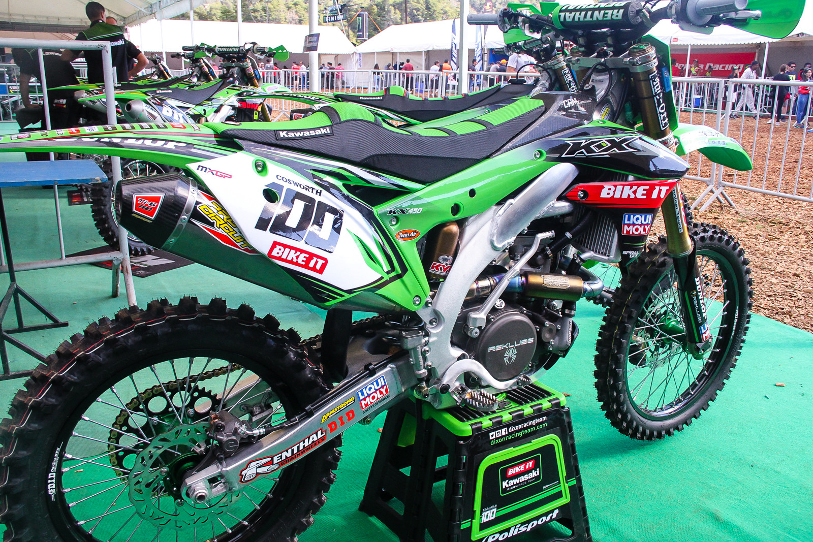Holy seat bump....seat mountain? Tommy Searle's Bike-It DRT KX450F must put out some serious horsepower. Speaking of the team itself, gone is the Monster sponsorship as long-time sponsor Bike-It steps up to title level this year. The team has also jumped around on tires a bit the past seasons seems to have settled on Dunlop for 2018.