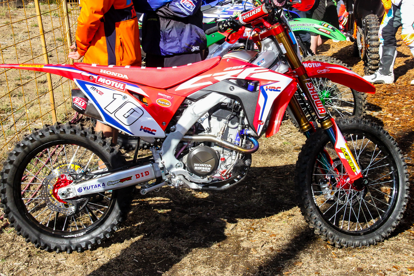 Calvin Vlaanderen's CRF250RW is a fun one to drool over. Oddly enough, it's equipped with Showa's SFF TAC fork (air forks, not spring).