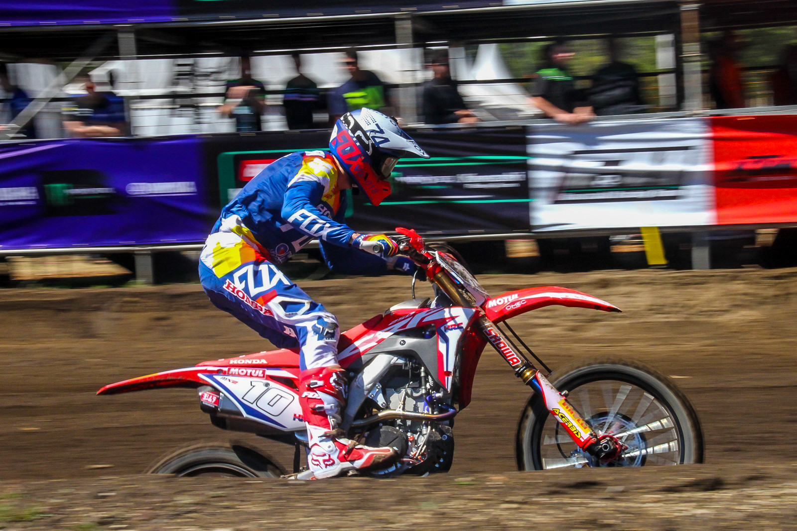 Calvin Vlaanderen's MX2 season with HRC Honda started out a little rough with 18-5 moto scores.