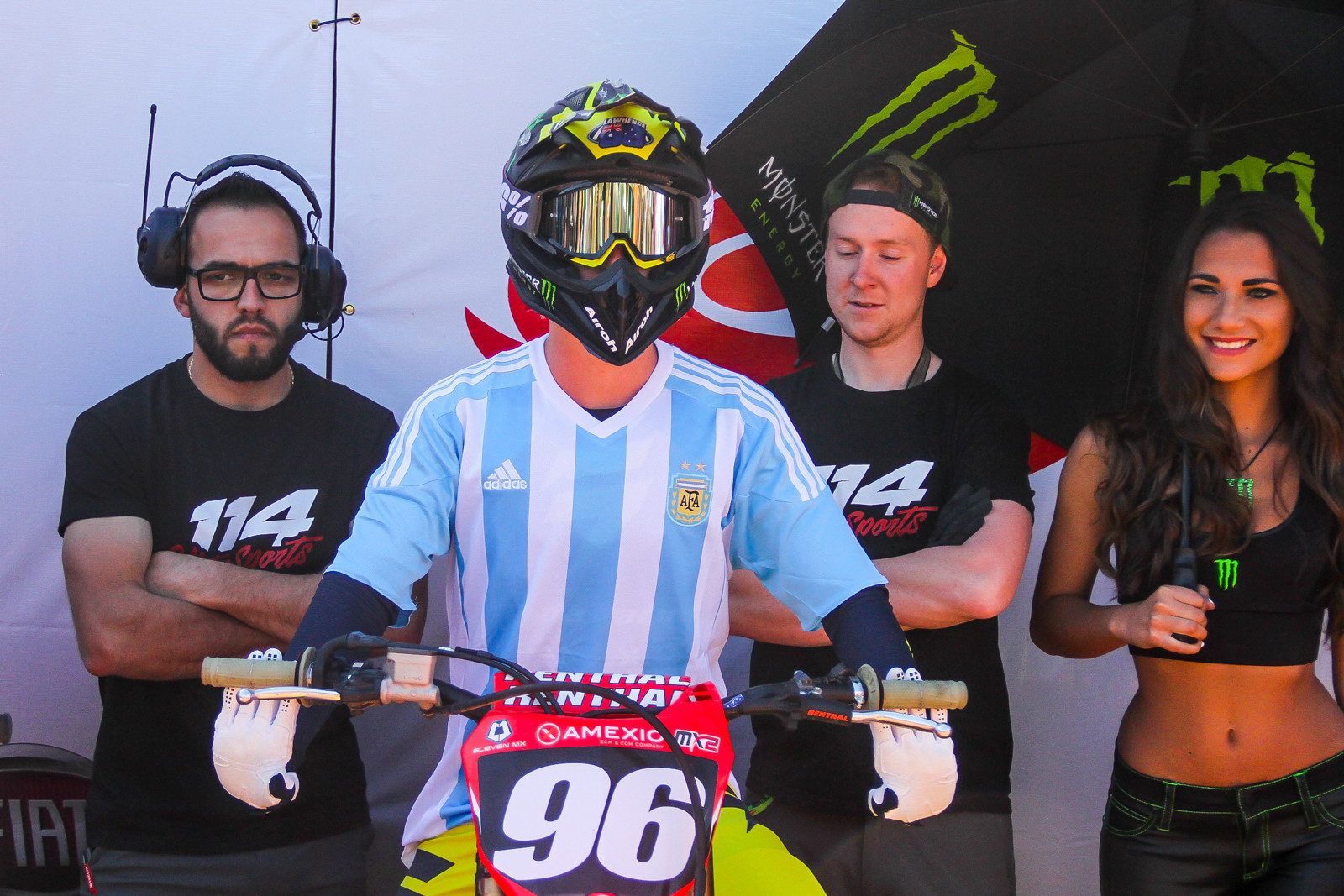Hunter Lawrence lines up for the parade lap with an Argentina soccer jersey.