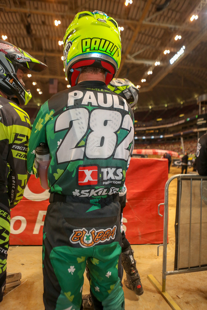 With St. Patrick's Day last weekend, there were definitely some riders looking for a bit o' luck in St. Louis. Bubba Pauli had his green gear on, plus a horseshoe butt patch.