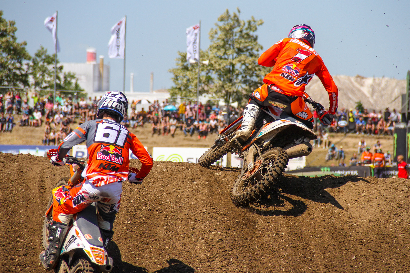 Jorge Prado and Pauls Jonass traded moto wins again, keeping the points gap at 22 in favor of Jonass.