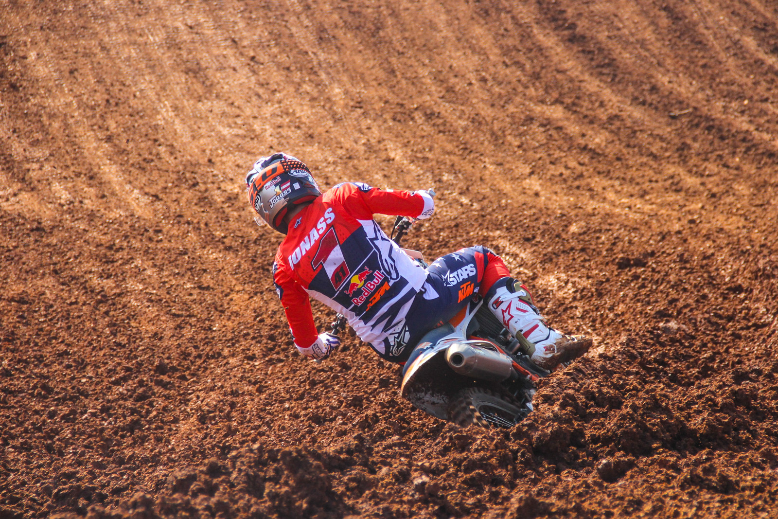 Pauls Jonass has lost his early season stranglehold on the season, as Jorge Prado has now tied him in points. At the start it looked like Pauls would defend with ease but now the number one plate looks to be weighing heavily.