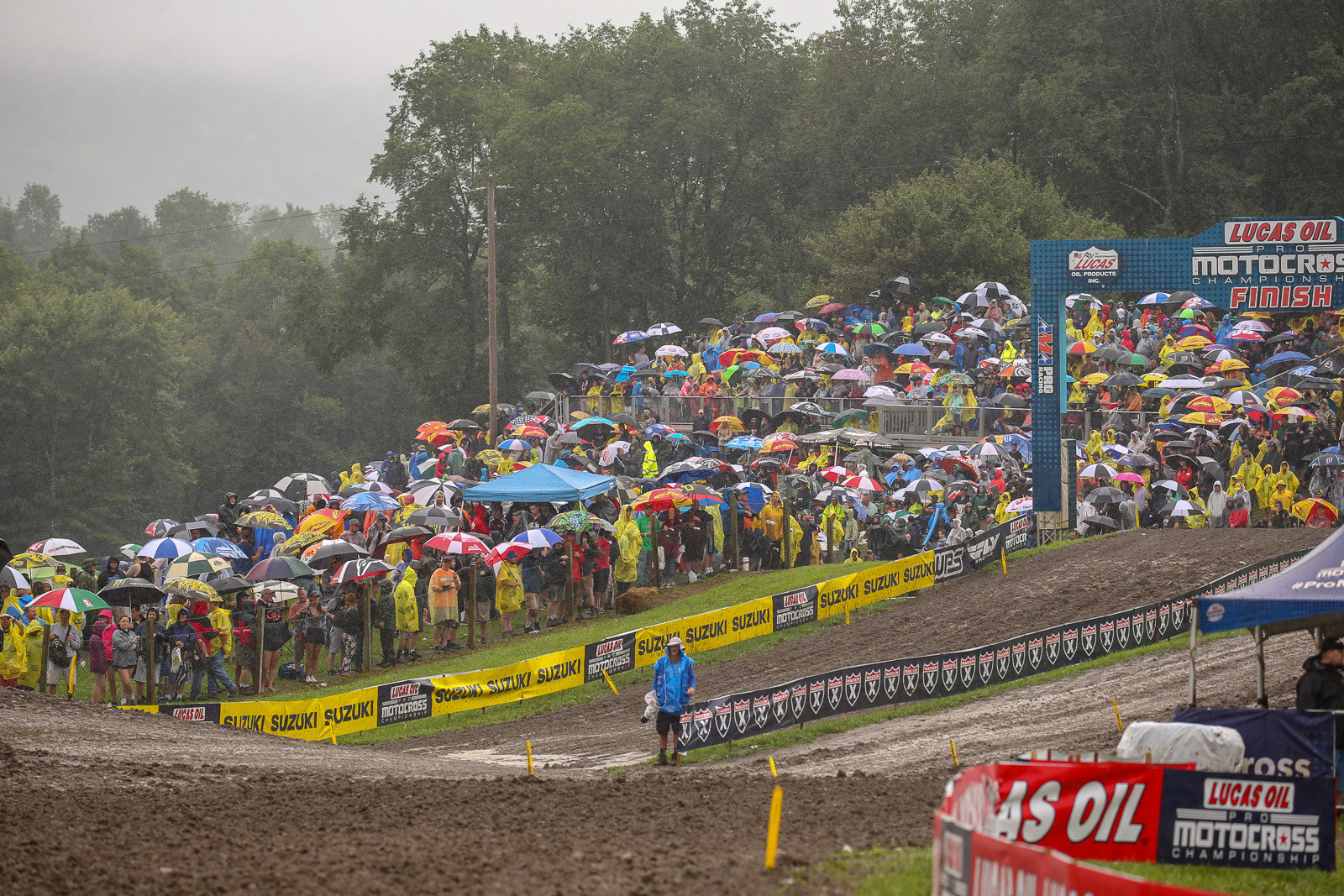 Before we get started, we have to give full props to the Unadilla crowd, who didn't get scared off by the rain.