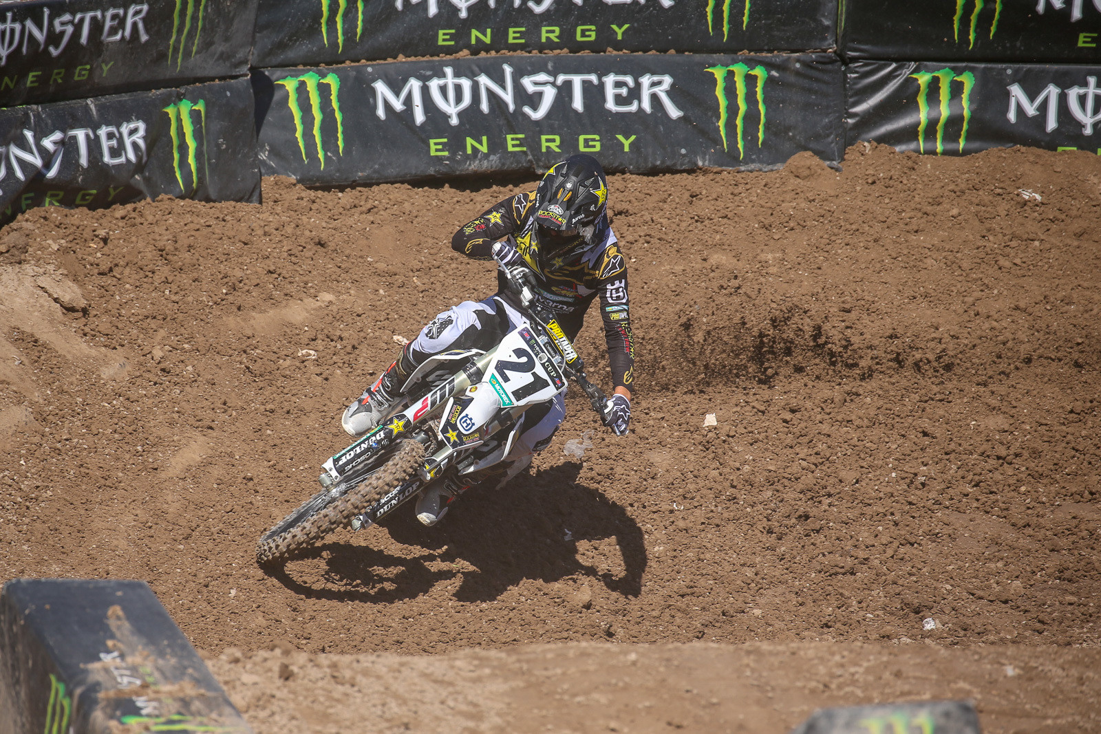 Yep, Jason Anderson looks like his old self out there on the Vegas terrain. We're stoked to see him line up out there.