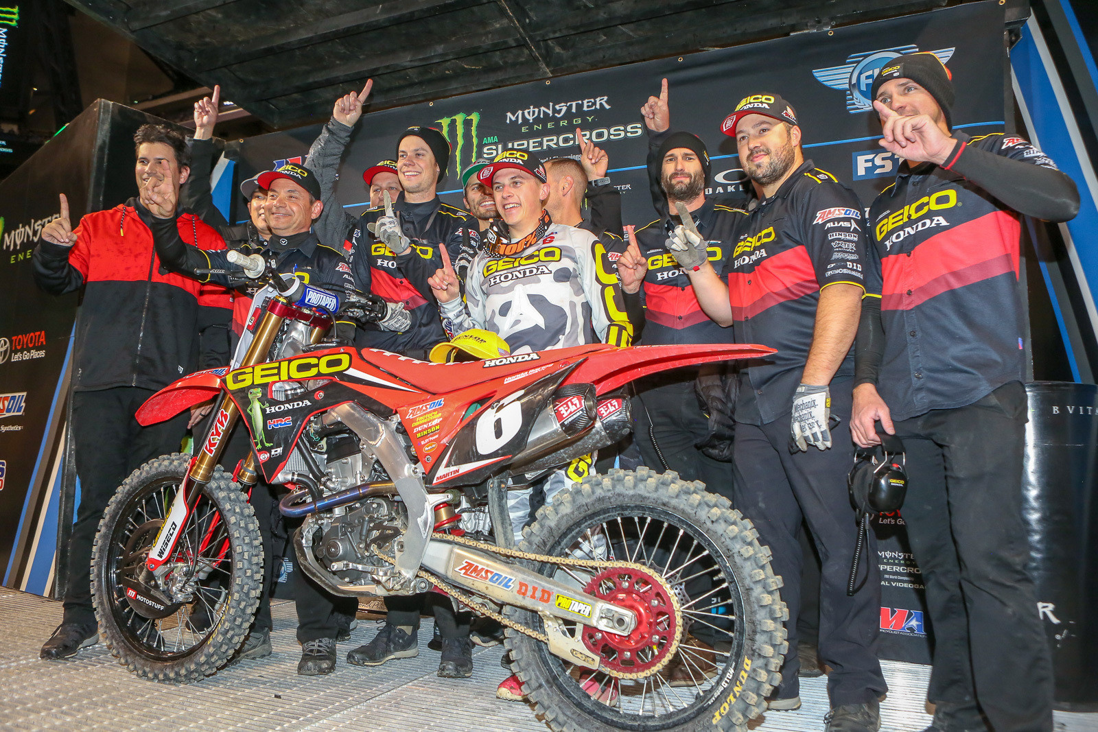 The GEICO Honda crew (Dan's third from left) after one of Jeremy Martin's wins this season.