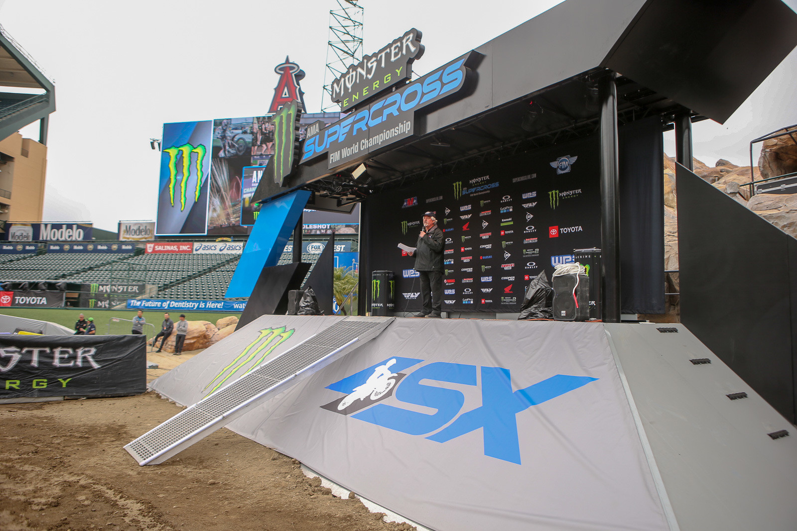 What's new? This podium...and it has a few tricks up its sleeves.